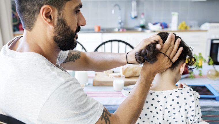 Kiedy możliwe jest przyznanie opieki nad dzieckiem ojcu?